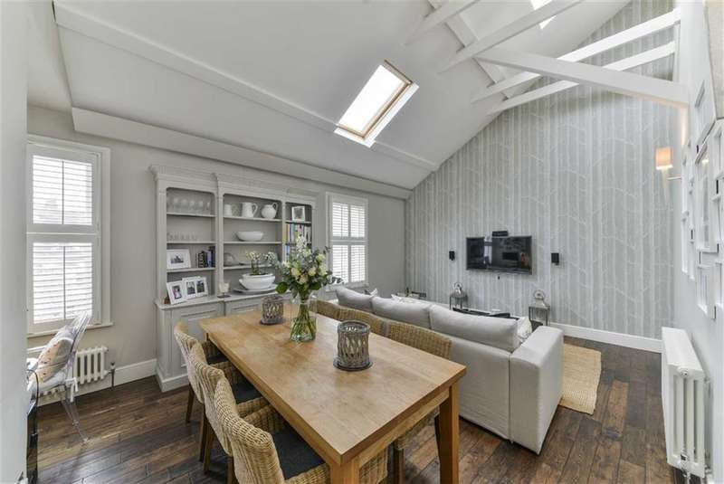 3 Bedrooms Flat for sale in Cranbury Road, Fulham, London, SW6
