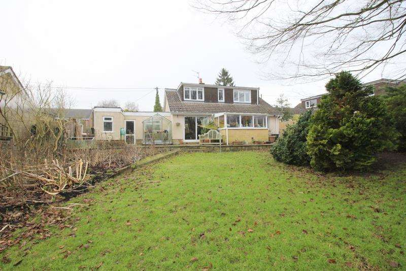 3 Bedrooms Bungalow for sale in Winterbourne Bassett, Near Swindon, Wiltshire