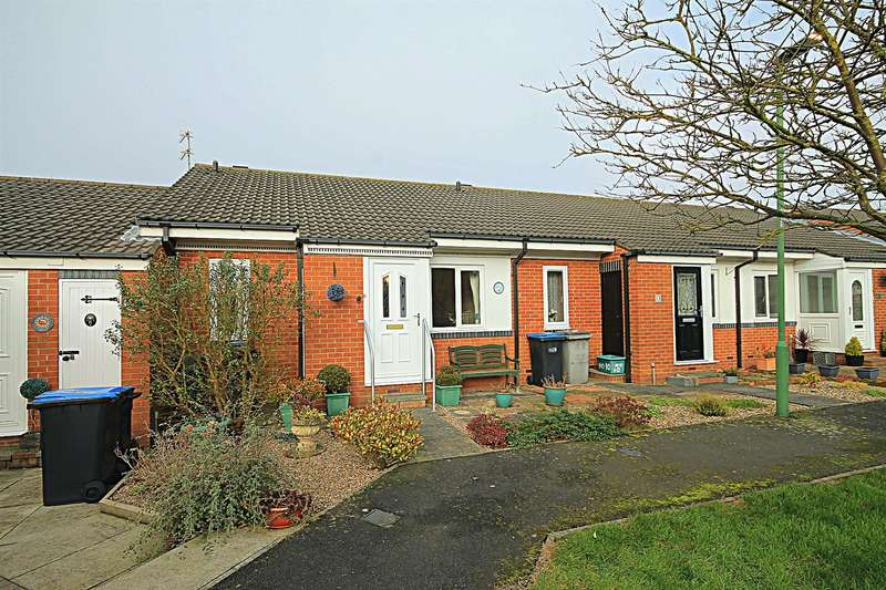2 Bedrooms Bungalow for sale in Wolsey Close, Bowburn, Durham