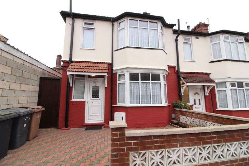 3 Bedrooms House for sale in Immaculate Three Bed in Popular Location