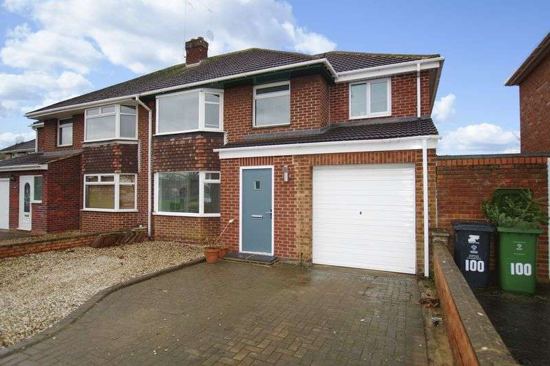 4 Bedrooms Semi Detached House for sale in Old Walcot