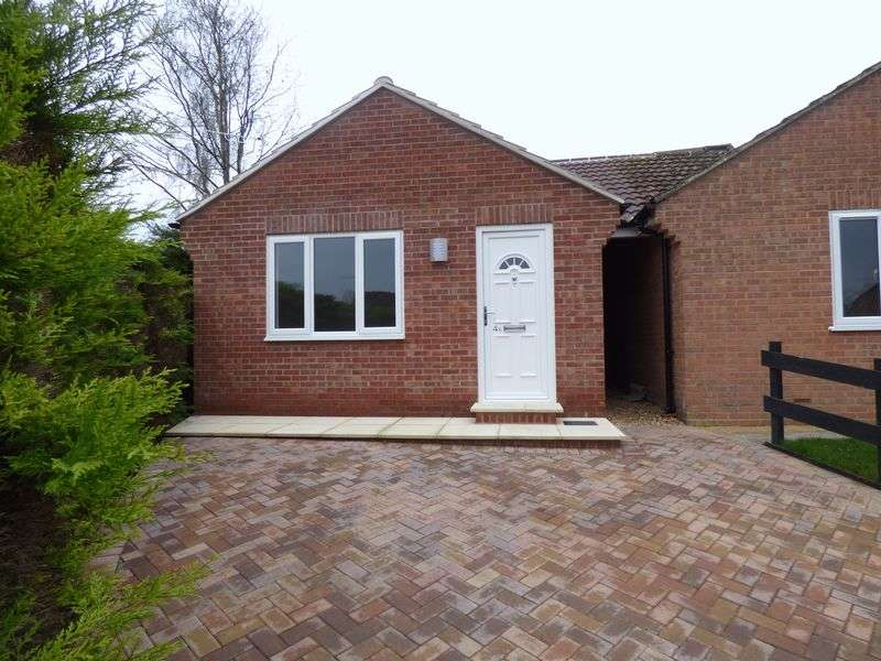 1 Bedroom Detached Bungalow for sale in Castle Mount, Tisbury