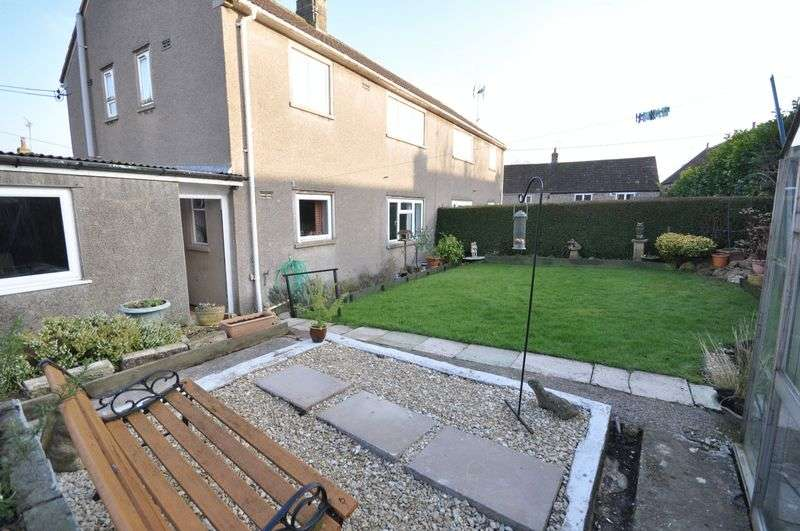 3 Bedrooms Semi Detached House for sale in Coronation Close, Wanstrow