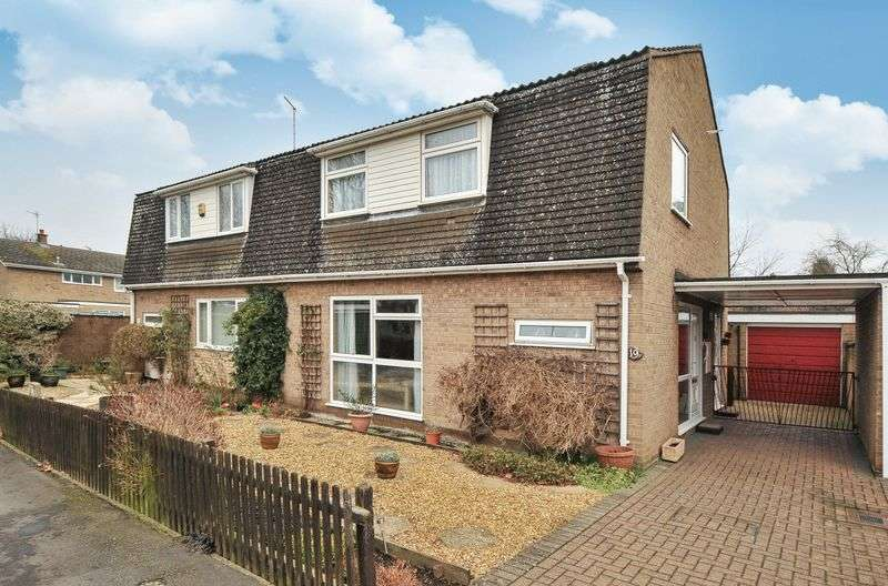3 Bedrooms Semi Detached House for sale in Mostyn Close, Sutton