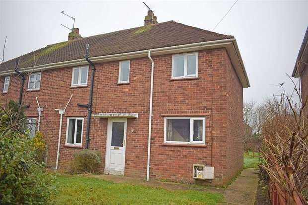 3 Bedrooms Semi Detached House for sale in Rigbourne Hill, Beccles, Suffolk