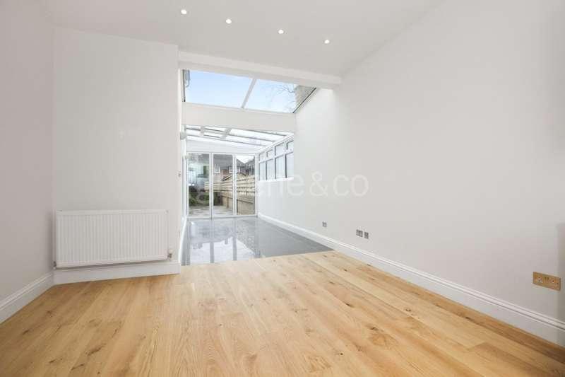 3 Bedrooms Flat for sale in Upper Tollington Park, Stroud Green, London, N4