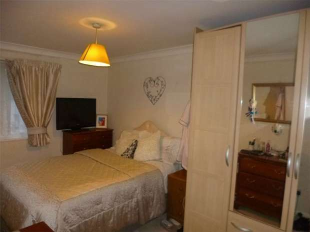 4 Bedrooms Terraced House for sale in Three Corners, Bennetts End, HEMEL HEMPSTEAD, Hertfordshire