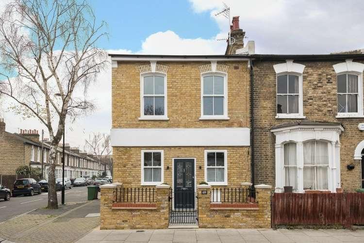 1 Bedroom Flat for sale in Monson Road London SE14