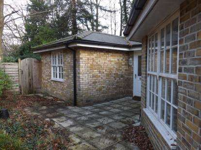 3 Bedrooms Bungalow for sale in Bassett, Southampton, Hampshire