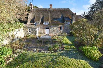 3 Bedrooms Detached House for sale in Dorchester, Dorset, Somerset