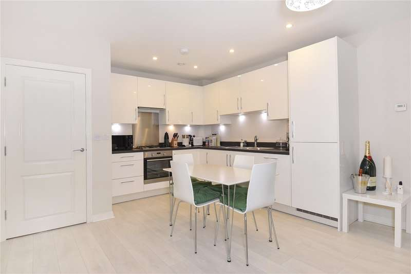 2 Bedrooms Apartment Flat for sale in 7, Chiltern Rise, Rickmansworth, Hertfordshire, WD3