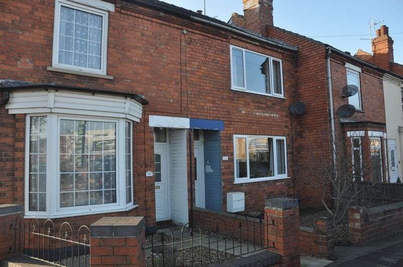 3 Bedrooms Terraced House for sale in Station Road, North Hykeham, Lincoln