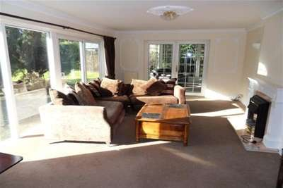 5 Bedrooms Bungalow for rent in SOUTH DRIVE, WOOLSINGTON