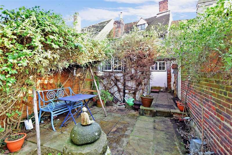 2 Bedrooms Terraced House for sale in Tanners Street, Faversham, Kent