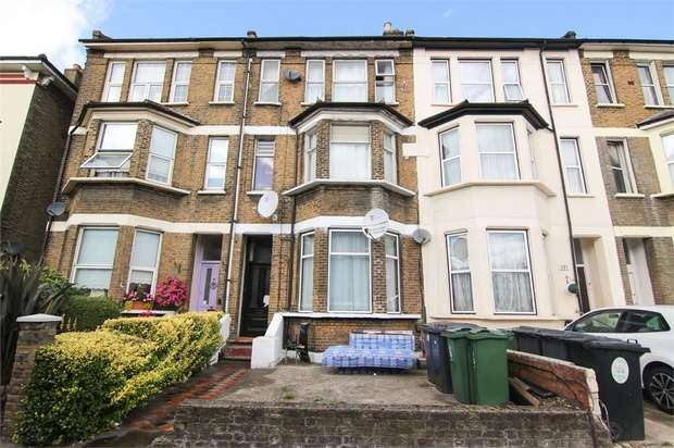 3 Bedrooms Flat for sale in Lea Bridge Road, Leyton, London