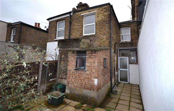 3 Bedrooms House for sale in Bollo Lane, W4 5LR, London