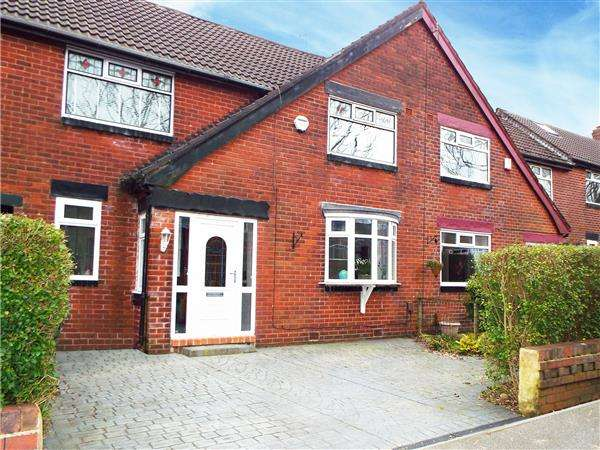 3 Bedrooms Town House for sale in Dove Street, Salem, Oldham