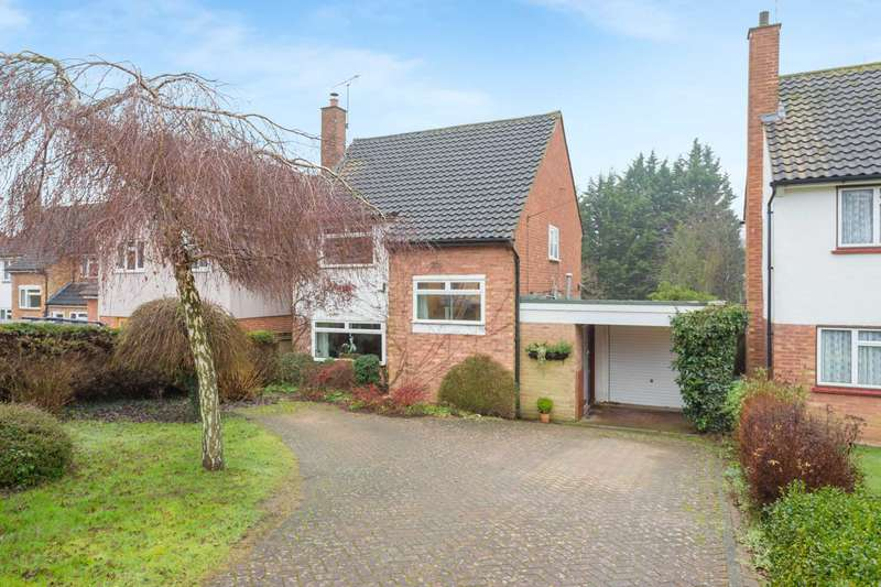 3 Bedrooms Detached House for sale in South Park Gardens, Berkhamsted
