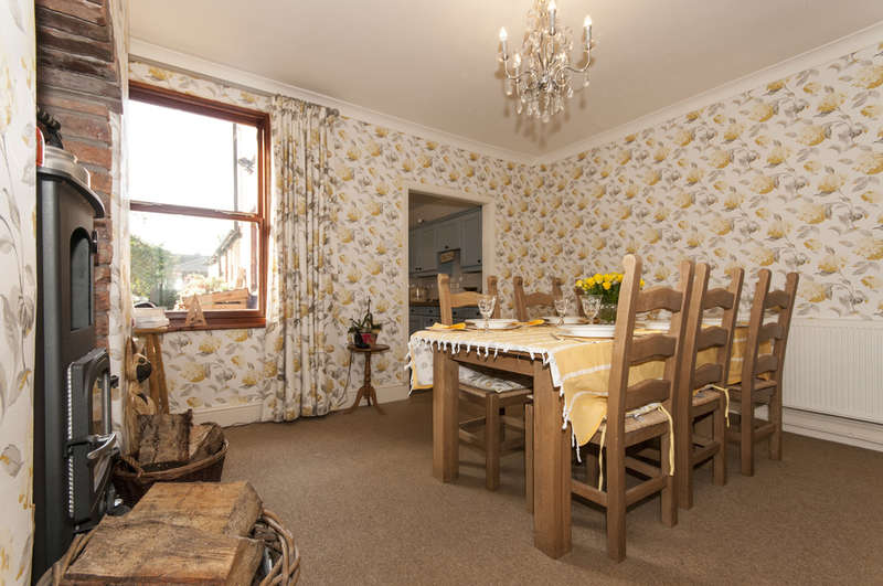 2 Bedrooms Detached House for sale in Barroon, Castle Donington