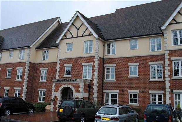 1 Bedroom Flat for sale in HORLEY, RH6