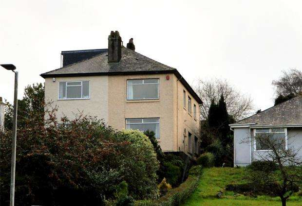 3 Bedrooms Semi Detached House for sale in Billacombe Road, Plymstock, Plymouth, Devon