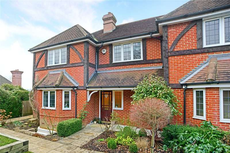 3 Bedrooms Terraced House for sale in Howberry Chase, Haslemere, Surrey, GU27