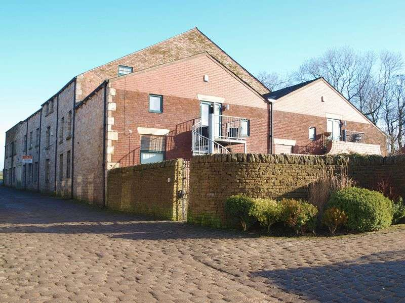 3 Bedrooms Flat for sale in Clegg Hall Road, Smithybridge, OL15 0AF