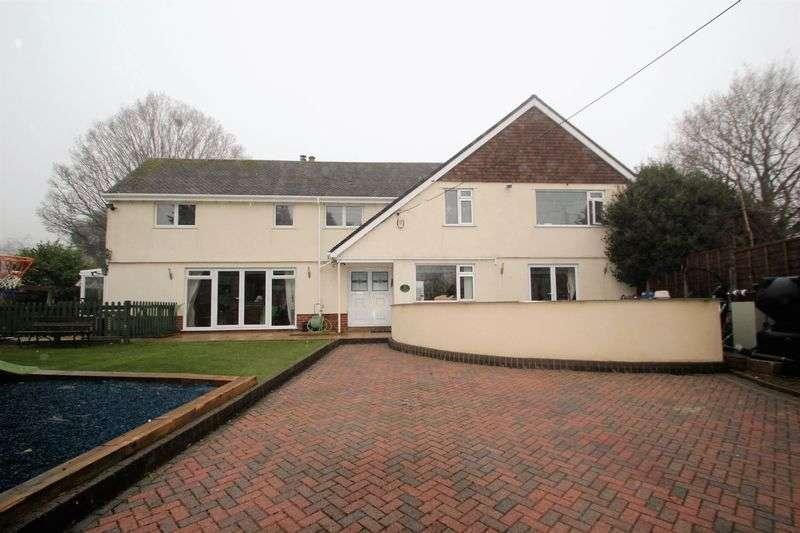4 Bedrooms Detached House for sale in Ridgeway, Ferndown