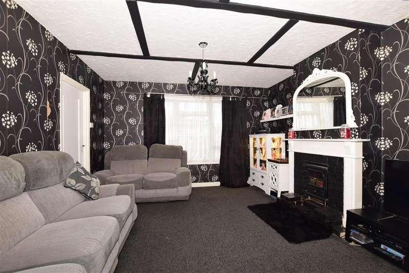 3 Bedrooms Semi Detached House for sale in St. Stephens Walk, Ashford, Kent