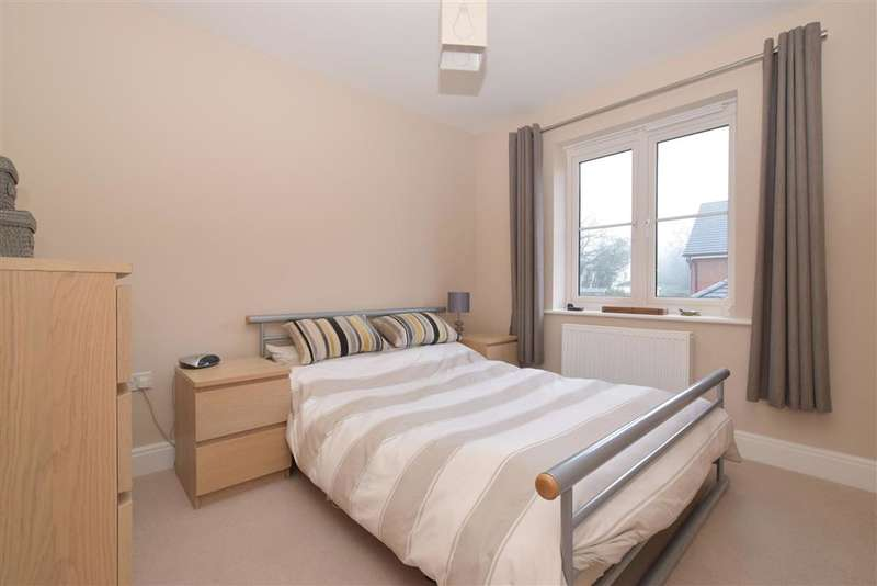 3 Bedrooms Semi Detached House for sale in Aubin Wood, Emsworth, Hampshire