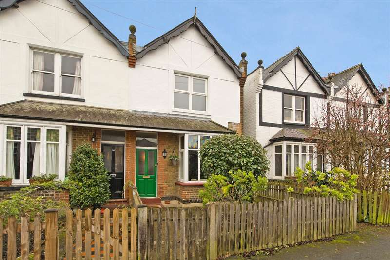 3 Bedrooms Semi Detached House for sale in Alexandra Road, Thames Ditton, Surrey, KT7