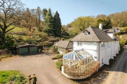 6 Bedrooms Detached House for sale in Bampton, Tiverton, Devon