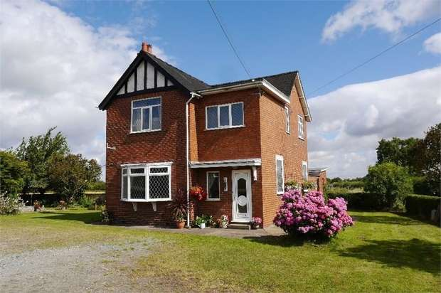 3 Bedrooms Detached House for sale in Haxey Junction, Doncaster, Lincolnshire