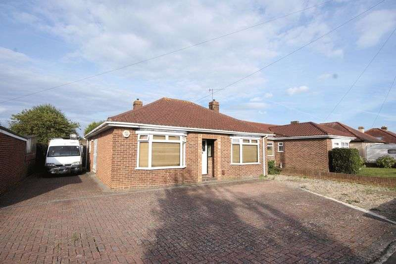 3 Bedrooms Detached Bungalow for sale in Perth Road, Gosport, PO13