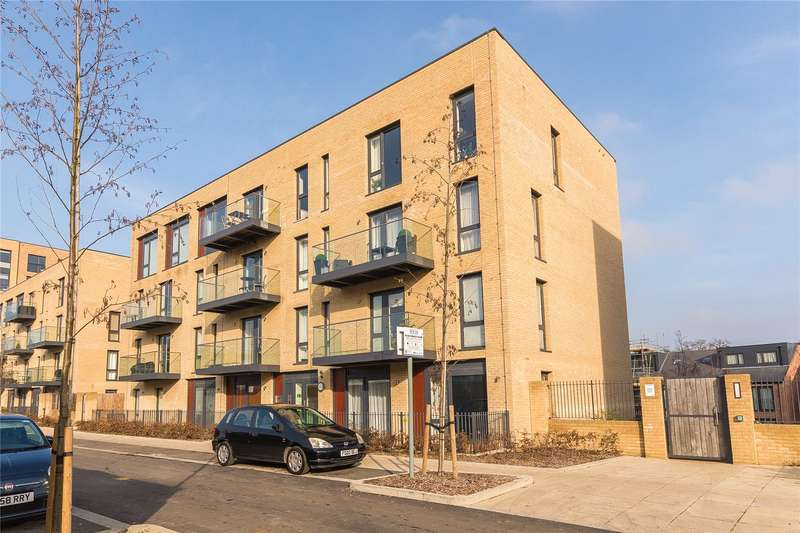 2 Bedrooms Flat for sale in Metropolitan Court, 6 Hayling Way, Edgware, HA8