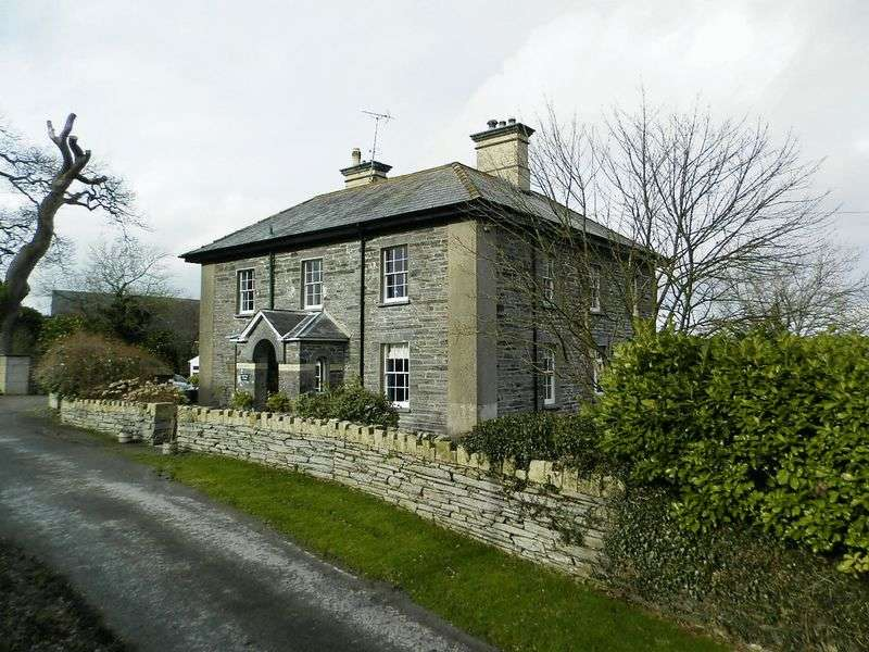 5 Bedrooms Detached House for sale in Newcastle Emlyn