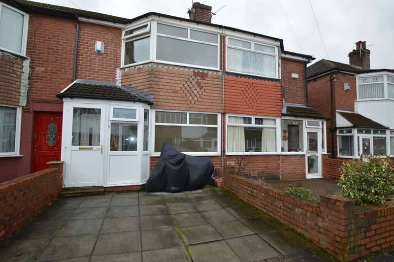 2 Bedrooms Semi Detached House for sale in Rossall Avenue, Radcliffe, Manchester, M26