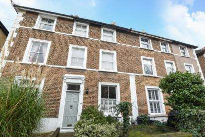 4 Bedrooms Terraced House for sale in Churchfields Road, Beckenham