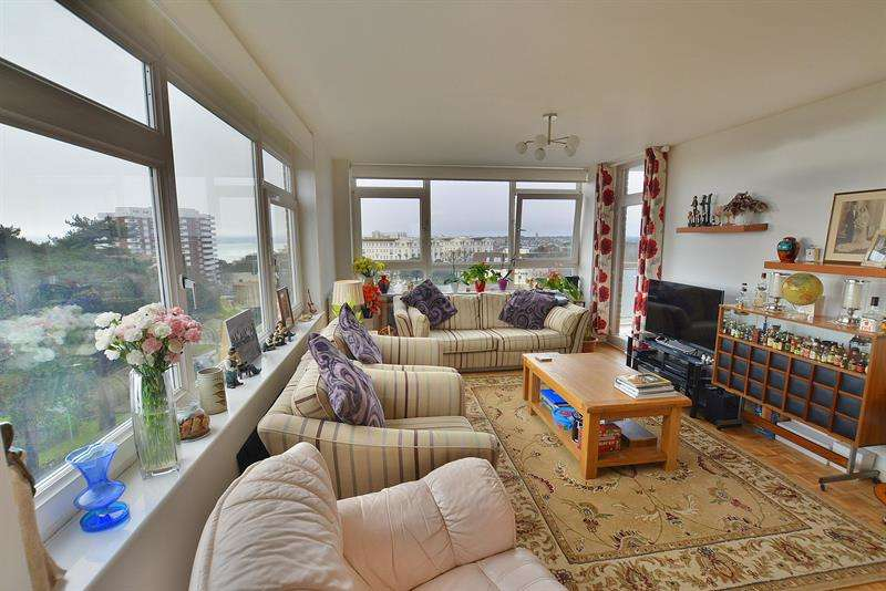 3 Bedrooms Apartment Flat for sale in Bath Road, Bournemouth