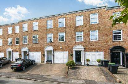 3 Bedrooms Terraced House for sale in Epping, Essex