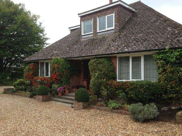 4 Bedrooms Detached House for sale in Oakley Down Sixpenny Handley SP5 5QP