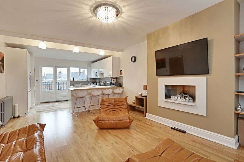 2 Bedrooms Flat for sale in Land Of Green Ginger, Hull
