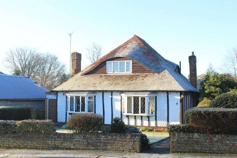 3 Bedrooms Detached House for sale in Onslow Gardens, Sanderstead, Surrey