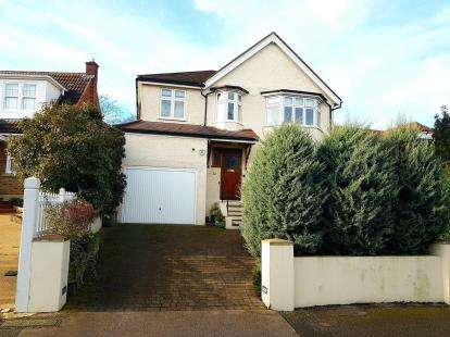 4 Bedrooms Detached House for sale in Hillside, New Barnet, Barnet