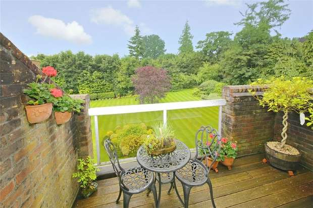 2 Bedrooms Flat for sale in High Firs, Gills Hill, RADLETT, Hertfordshire