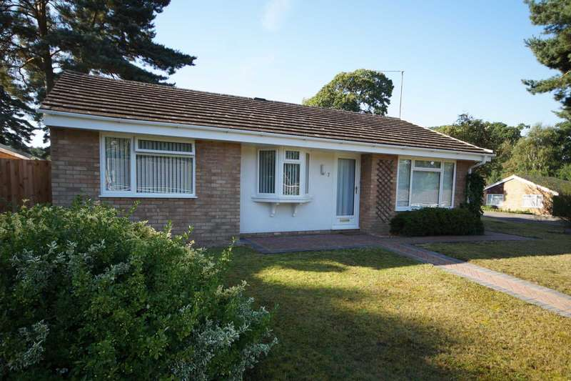 3 Bedrooms Detached Bungalow for sale in Plantation Way, Whitehill, Hampshire, GU35