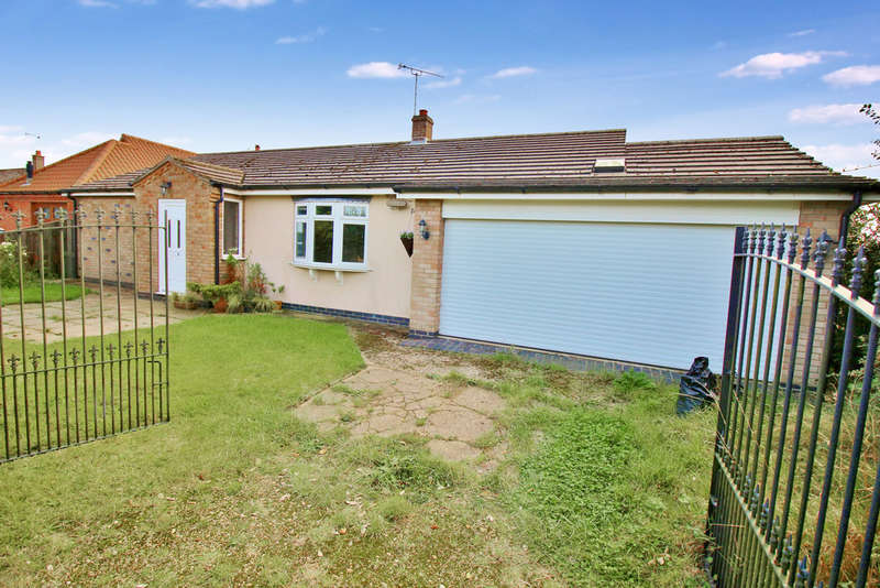 3 Bedrooms Detached Bungalow for sale in Marsh Road, Potter Heigham