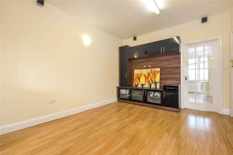3 Bedrooms Semi Detached House for sale in Dorchester Avenue, Harrow, Middlesex, HA2