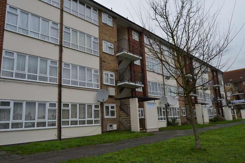 1 Bedroom Flat for sale in 33 Snells Park, Edmonton, London, UK, N18 2TE