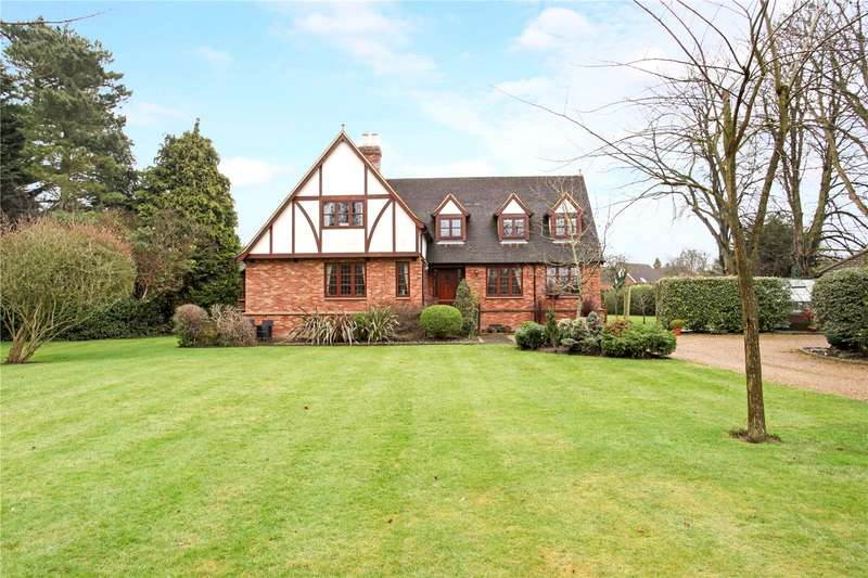 4 Bedrooms Detached House for sale in Chertsey Lane, Staines-upon-Thames, Surrey, TW18